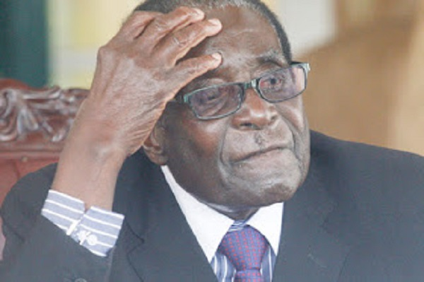2015: Mugabe, colleagues cling on