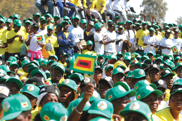 Stampede to endorse Mugabe exposes Zanu PF fault lines