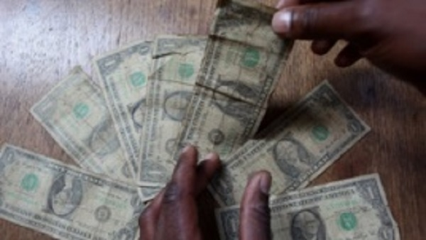 Zimbabwe state workers to get salaries after christmas