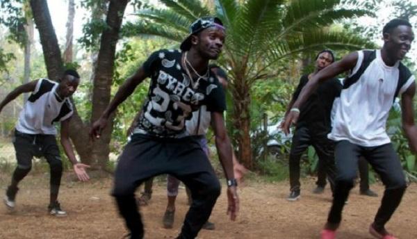 Hip-hop dancers defy Zimbabwe's woes