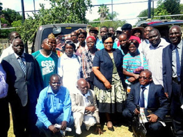Mujuru meets Masvingo people first executive
