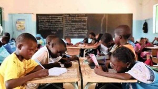 Teachers, Mugabe, head for showdown
