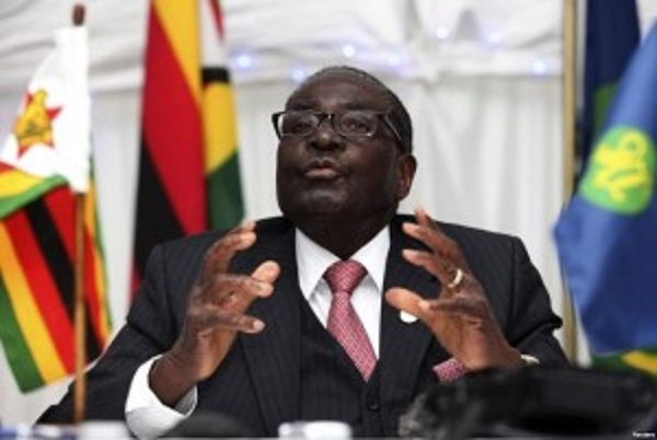 Mugabe cracks mujuru jokes
