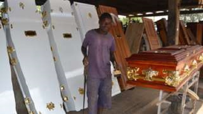 Aids in Zimbabwe: Making decent burials affordable