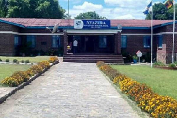 School seeks truce over pupil's expulsion