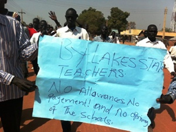 South Sudan to hire 20000 Zimbabwean teachers: report