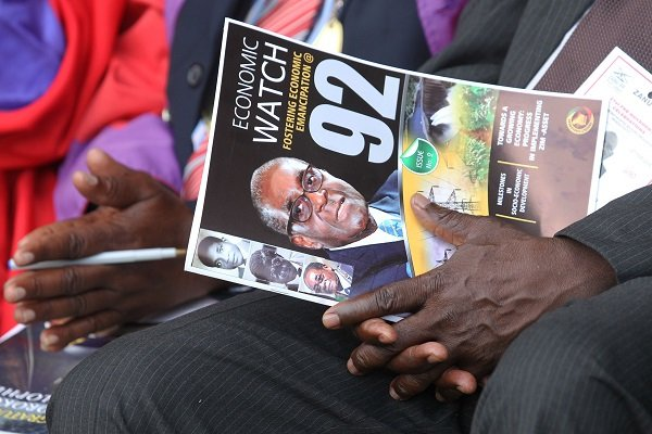 How has 92-year-old Robert Mugabe managed to stay the world's oldest president?